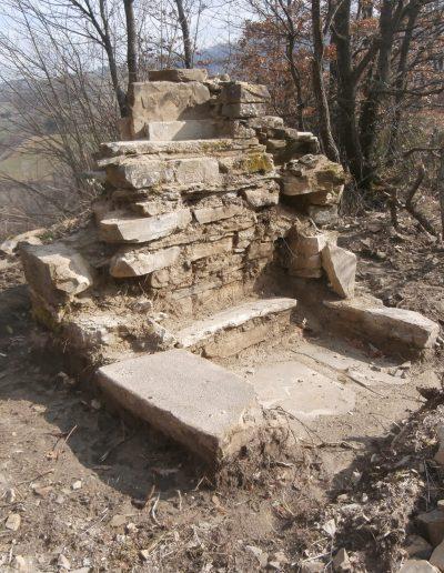 Come si presentava il Pilastrino di Ca' del Tosco prima del restauro (marzo 2014)